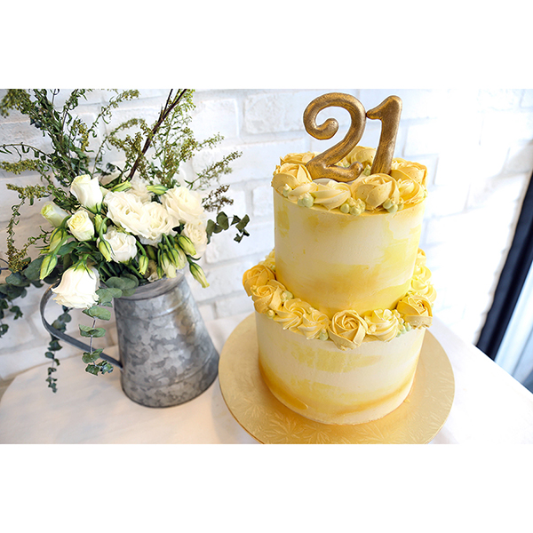golden yellow rosette 2 tiered customised 21st birthday cake