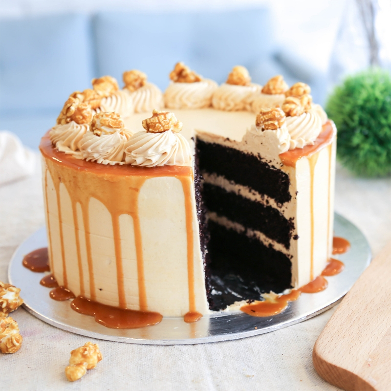 Most Delicious Salted Caramel Chocolate Cake Baking Lesson