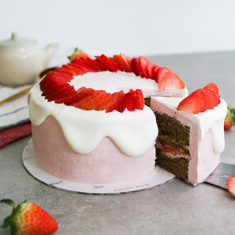Hojicha Strawberry Cake (Japanese Inspired!) 19