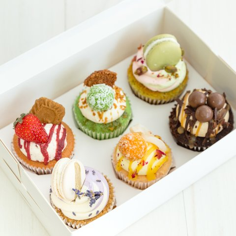 Signature Cupcakes (Delivery Special)