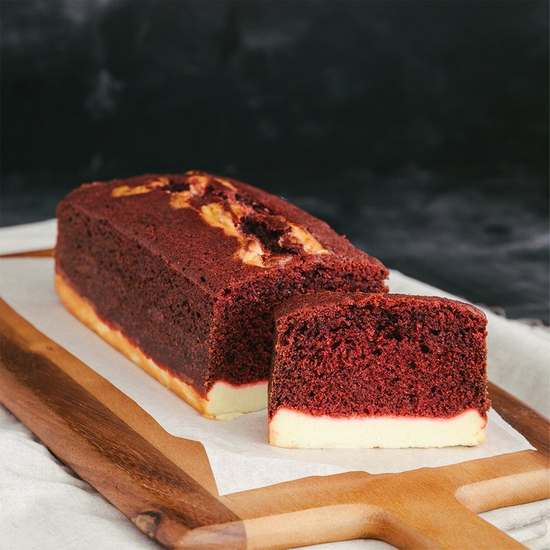 Red Velvet Cheese Cake Loaf