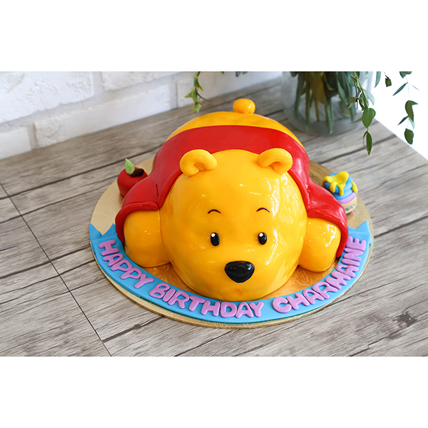 3D Winnie the Pooh Customised Birthday Cake